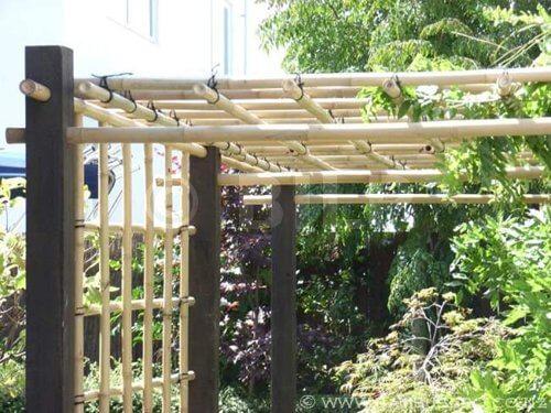 comment construire une pergola en bambou maison art et. Black Bedroom Furniture Sets. Home Design Ideas